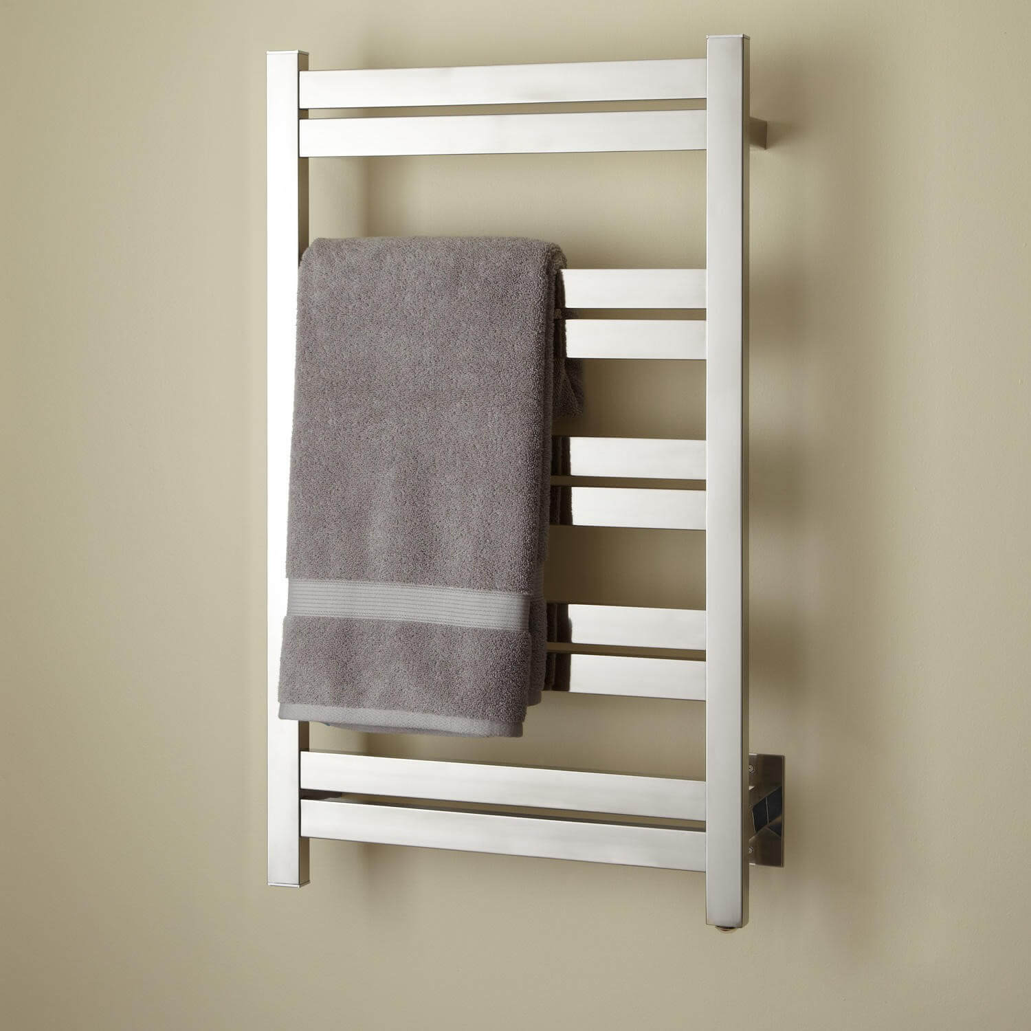 hardwired vs plugin towel warmers